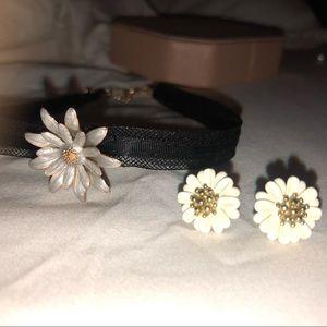 Jewelry - Daisy choker and earrings set